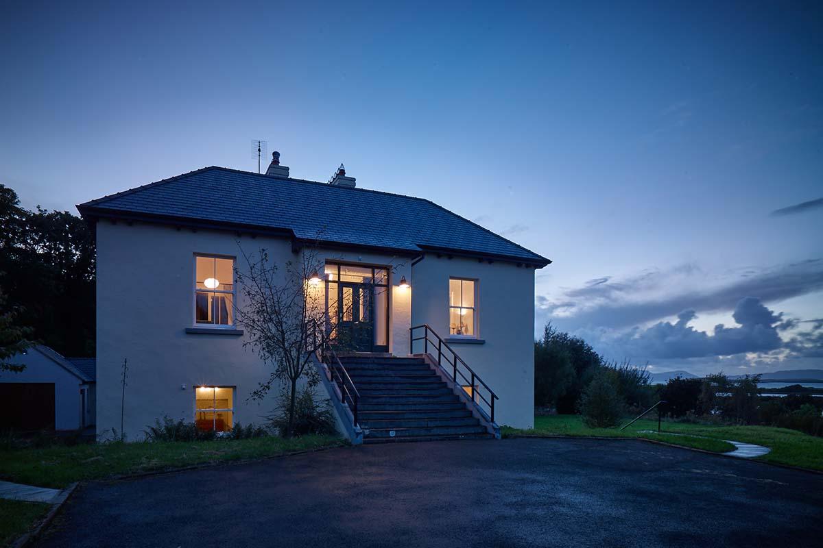 Kildanganhouse-lit-up